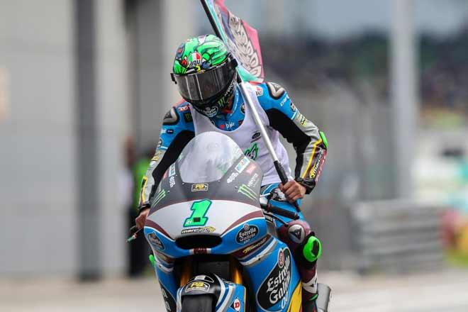 """Đua xe MotoGP: """"Anh trai mưa"""" và phép màu mong manh cho người Ý - 1"""