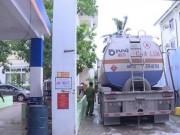 Tin tức trong ngày - Bắt 2 đối tượng trong đường dây làm 2 triệu lít xăng A92 giả ở Nghệ An