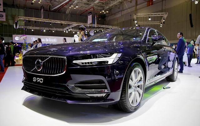 Sedan hạng sang Volvo S90 giá từ 2,4 tỷ đồng ở Việt Nam - 4
