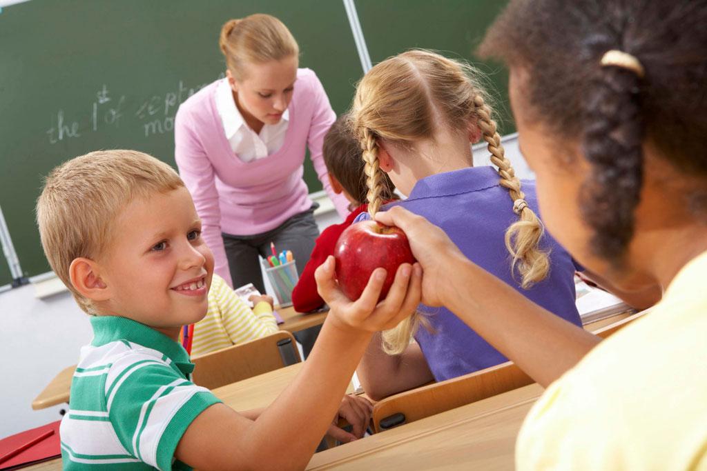 Bí quyết khuyến khích con làm việc tốt của phụ huynh khắp thế giới - 1