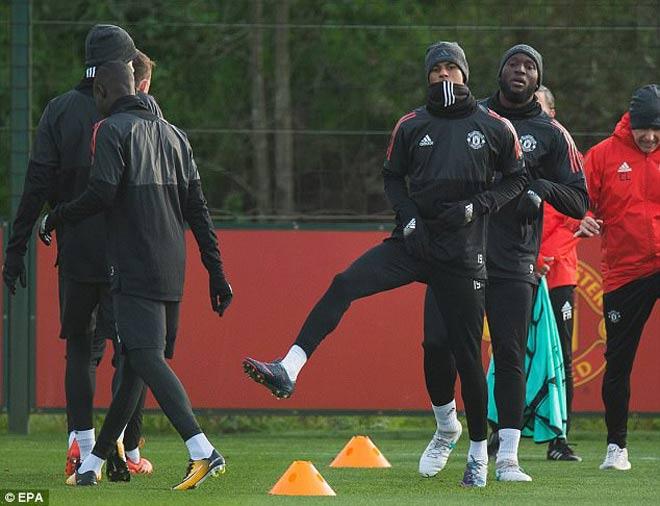 TRỰC TIẾP bóng đá MU - Benfica: Martial & Lingard xuất phát 21