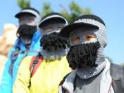 """Bạn trẻ - Cuộc sống - Quên """"Ninja lead"""" đi, đây mới là chiếc mũ chống nắng khiến cả thế giới xôn xao"""