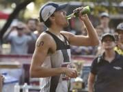 Thể thao - Choáng váng: Uống cả lít bia, VĐV say vẫn phá kỷ lục