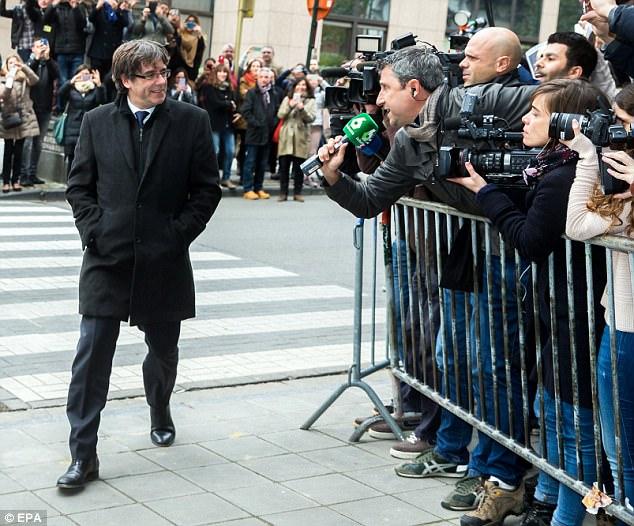 Lãnh đạo Catalonia giải thích lý do bỏ trốn sang Bỉ - 2