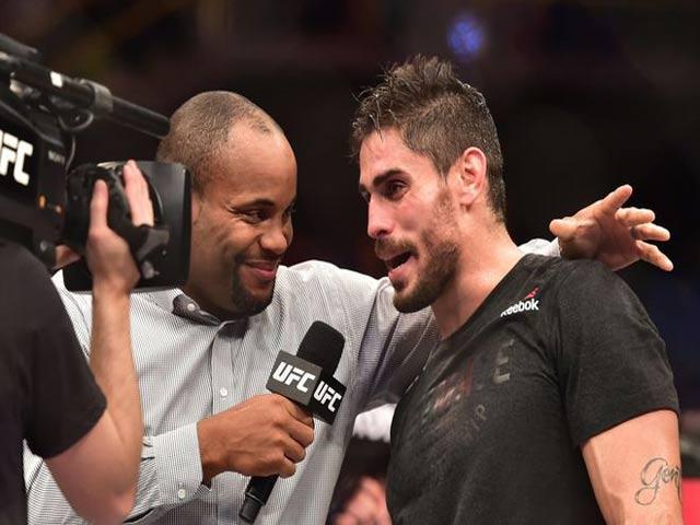 UFC 217: Huyền thoại móc trái đỉnh cao, nhà vô địch Bisping đo ván thê thảm 7