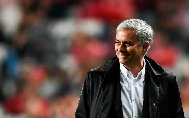"""MU lại thắng nhạt: """"Quỷ đỏ"""" quá may hay Mourinho quá tài? - 2"""