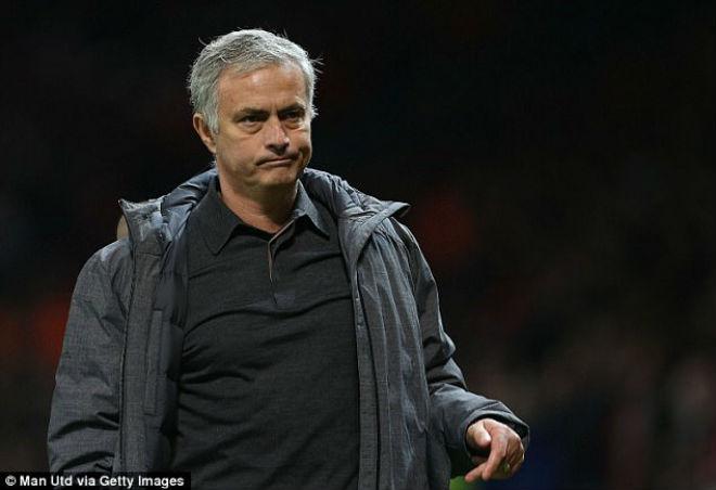 """MU """"vất vả"""" Benfica: Mourinho lộ lý do """"cướp"""" phạt đền của Lukaku 1"""