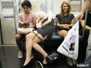 """Tranh vui - Chuyện """"kinh dị"""" trên chuyến tàu điện ngầm"""