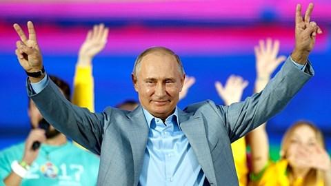 """Ông Putin thành công nhờ sự """"lạc quan đến ngây thơ"""" của các tổng thống Mỹ?"""