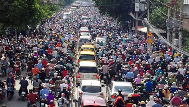 Ô tô hay xe máy đang gây kẹt xe ở TP.HCM và Hà Nội? - 2