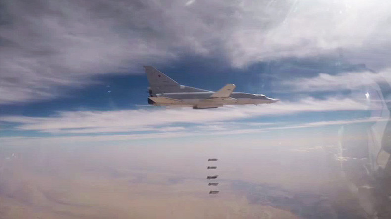 """6 oanh tạc cơ Nga dội lửa """"nướng chín"""" khủng bố ở Syria - 1"""