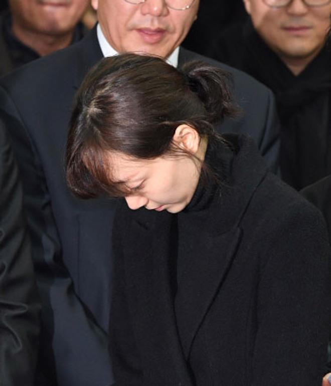 Nghệ sĩ khóc nấc trong đám tang sao Hàn tử nạn vì lật xe hơi - 2