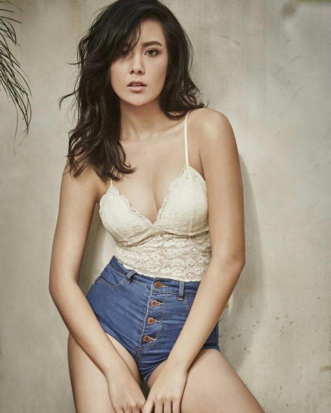 """Thiên thần sexy nhất Thái Lan khiến tạp chí Maxim """"cháy hàng"""" - 11"""