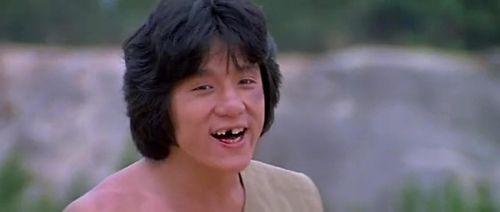 Chân Tử Đan suýt mù, Thành Long gãy răng vì giao chiến trên màn ảnh - 1
