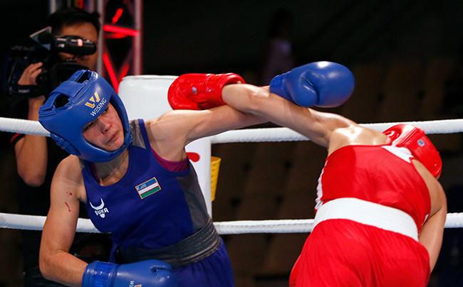 """2 người đẹp boxing Việt Nam """"vùi dập"""" cao thủ, đại thắng ở giải châu Á 10"""