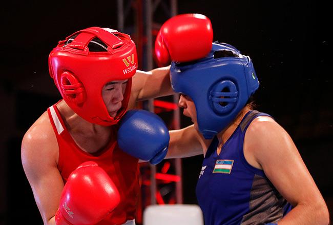 """2 người đẹp boxing Việt Nam """"vùi dập"""" cao thủ, đại thắng ở giải châu Á 12"""