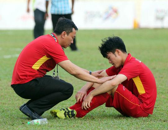 Bóng đá Việt Nam giờ gặp ai cũng sợ! - 2