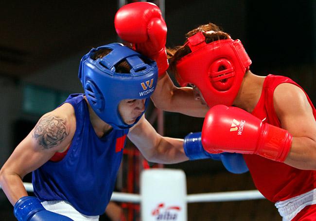 """2 người đẹp boxing Việt Nam """"vùi dập"""" cao thủ, đại thắng ở giải châu Á 4"""