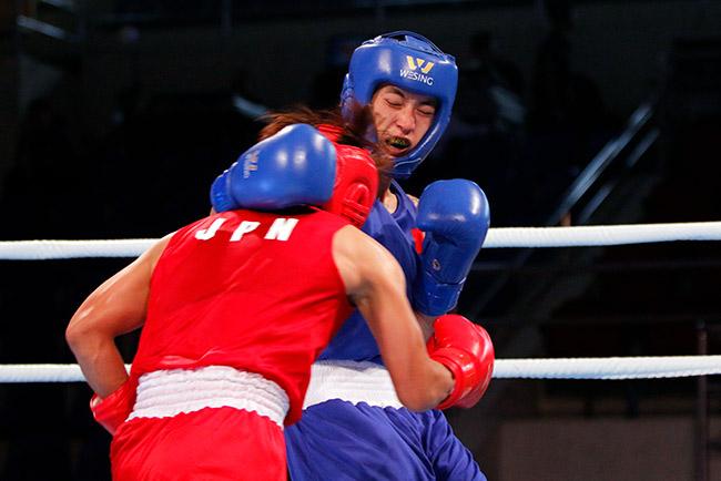 """2 người đẹp boxing Việt Nam """"vùi dập"""" cao thủ, đại thắng ở giải châu Á 6"""