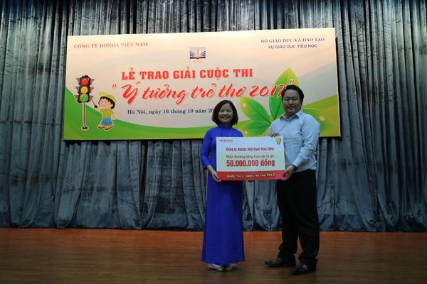 Honda Việt Nam trao thưởng cho trường có thí sinh đạt giải Cuộc thi Ý tưởng Trẻ thơ 2017 - 4