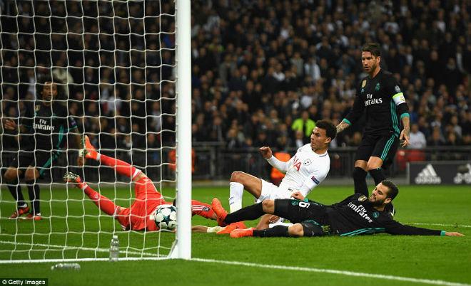 Ngoại hạng Anh bá chủ cúp C1: MU - Man City tuyên chiến Barca - Real - 1
