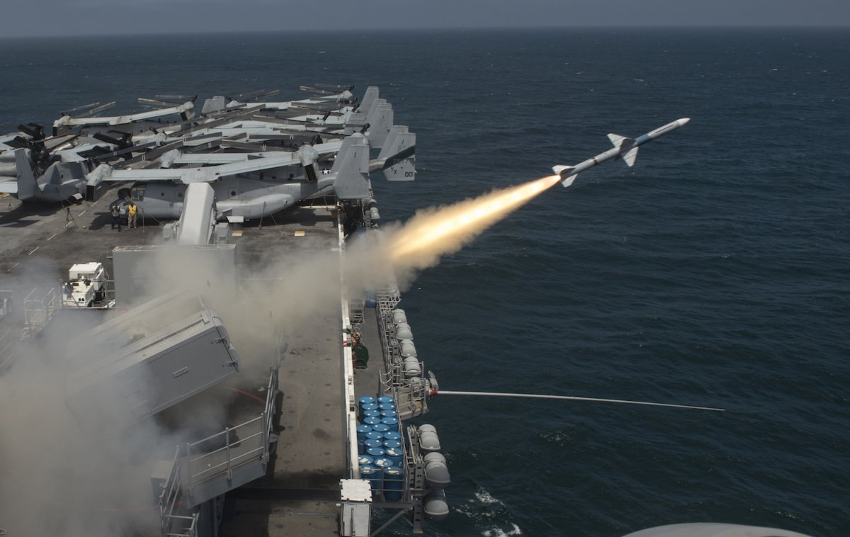 3 đội tàu sân bay Mỹ đem dàn vũ khí hùng hậu áp sát Triều Tiên - 8