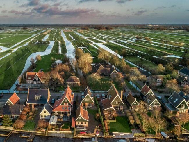 """Chiêm ngưỡng các trang trại trong nhà kính """"đẹp như tranh"""" ở Hà Lan - 1"""