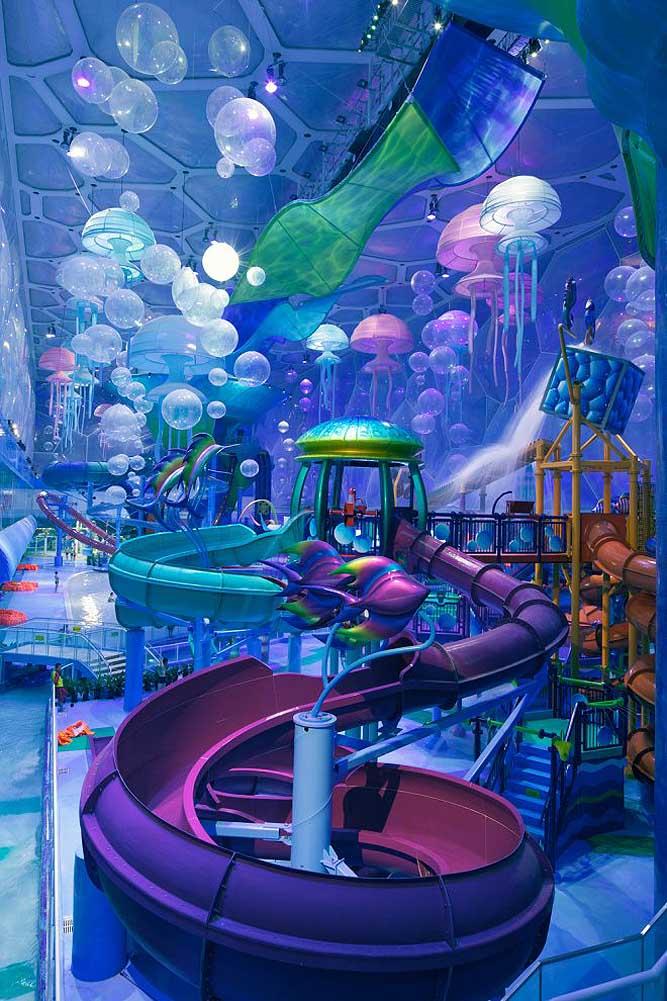 """Nhà thi đấu cũ kỹ hóa """"đại dương"""" đẹp ảo diệu như hành tinh khác - 1"""