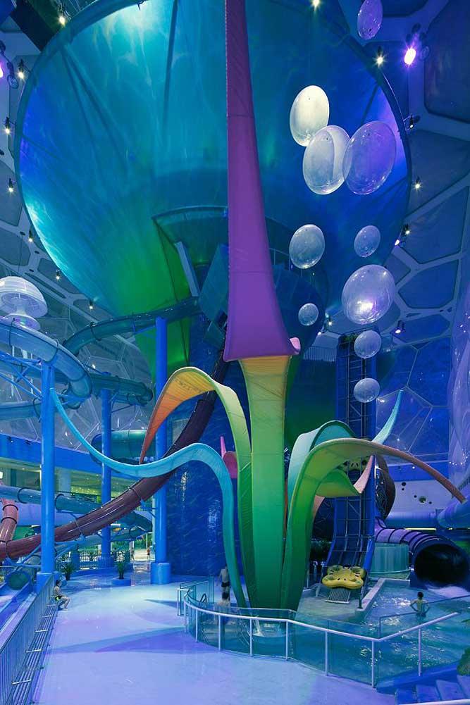 """Nhà thi đấu cũ kỹ hóa """"đại dương"""" đẹp ảo diệu như hành tinh khác - 4"""