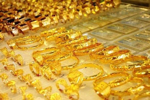 Giá vàng hôm nay (3/11): Đồng loạt tăng