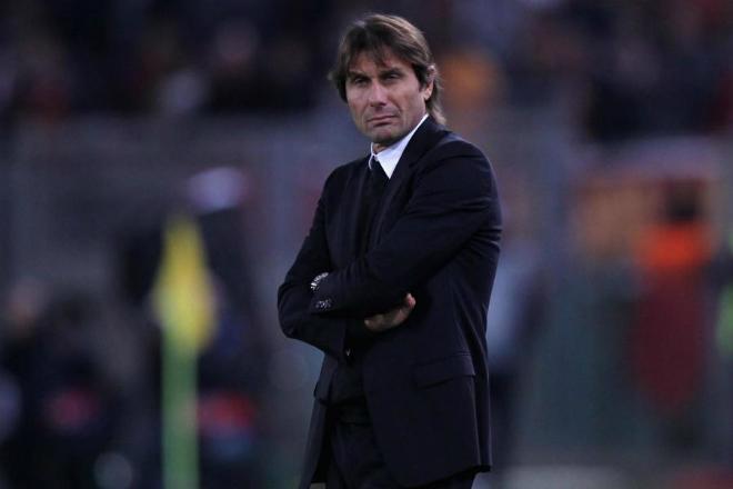 MU họp báo đấu Chelsea: Mourinho hầu tòa, Conte lo sợ Man City - 1