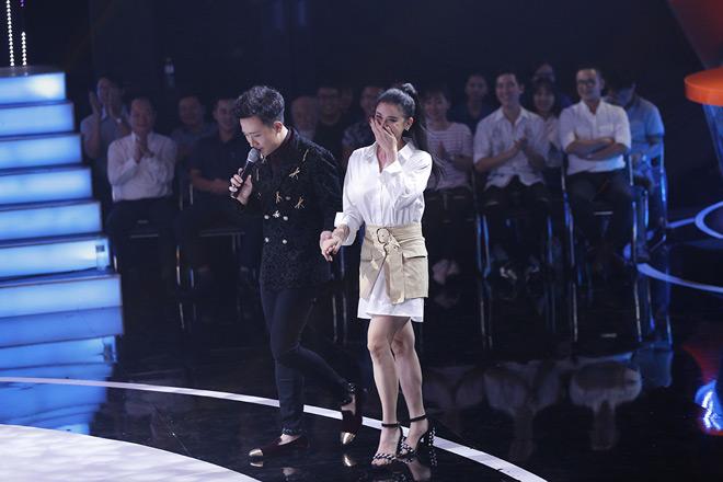 Trương Quỳnh Anh bị hỏi khó việc Tim ôm ấp gái lạ - 2