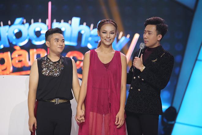 Trương Quỳnh Anh bị hỏi khó việc Tim ôm ấp gái lạ - 4