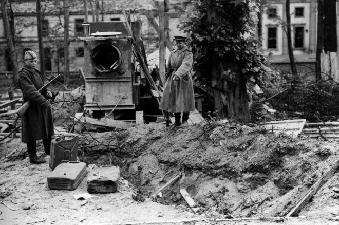 6 sai lầm quân sự lớn nhất khiến Hitler thảm bại, phải tự sát - 4