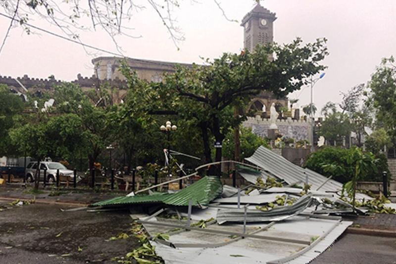 Chùm ảnh sức tàn phá khủng khiếp của bão số 12 - 6