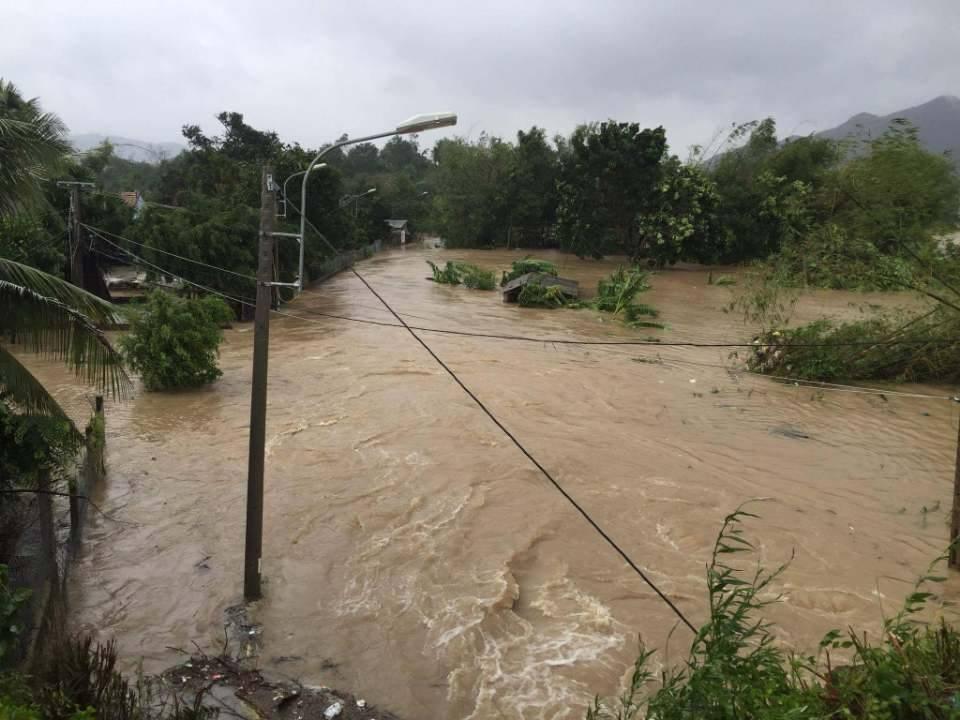 Chùm ảnh sức tàn phá khủng khiếp của bão số 12 - 20