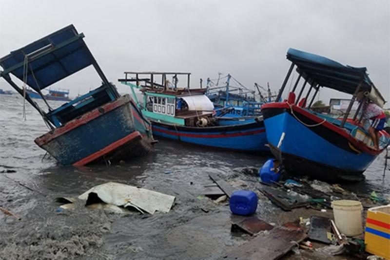 Chùm ảnh sức tàn phá khủng khiếp của bão số 12 - 8