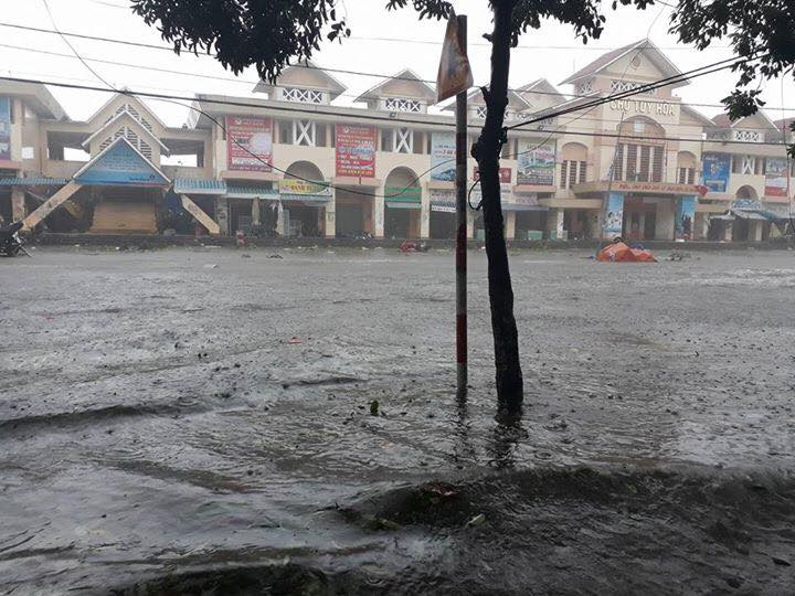 Chùm ảnh sức tàn phá khủng khiếp của bão số 12 - 18
