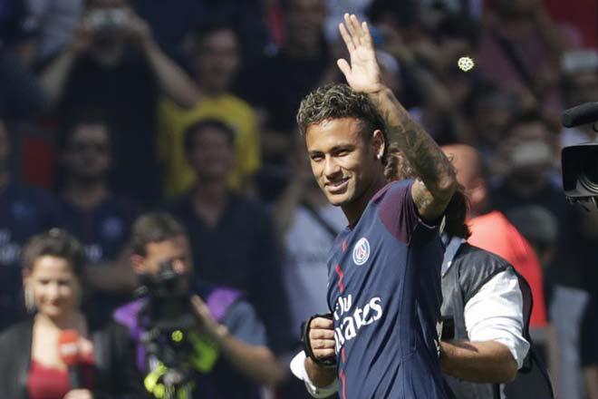 Tin HOT bóng đá tối 4/11: Neymar dính chấn thương 1