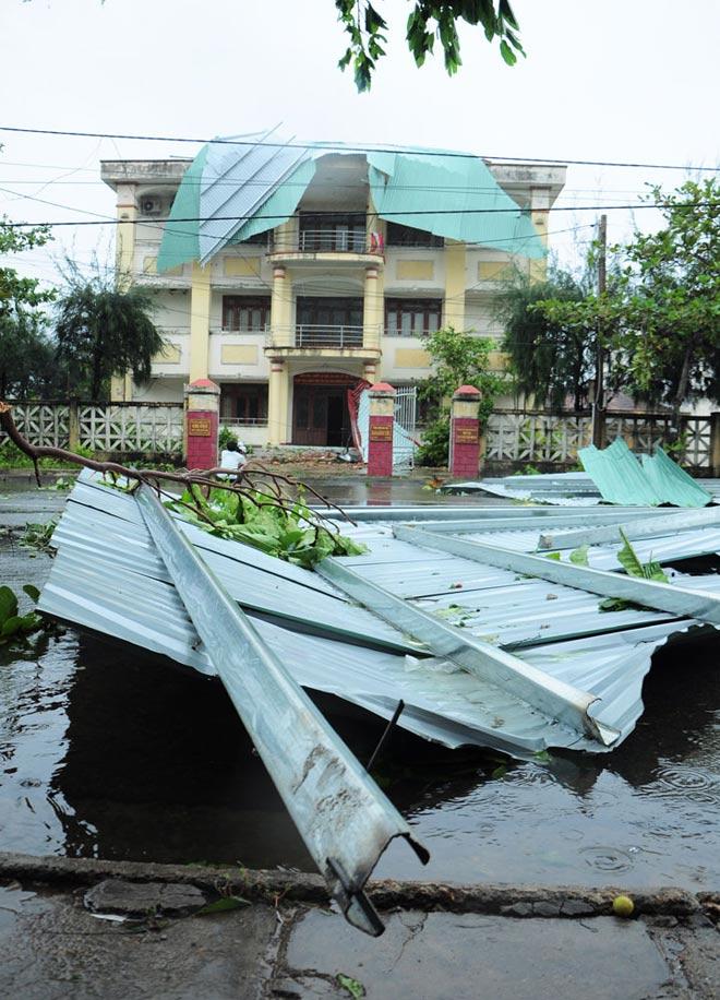 """Nóng 24h qua: """"Siêu bão"""" khiến 20 người chết, 17 người mất tích"""