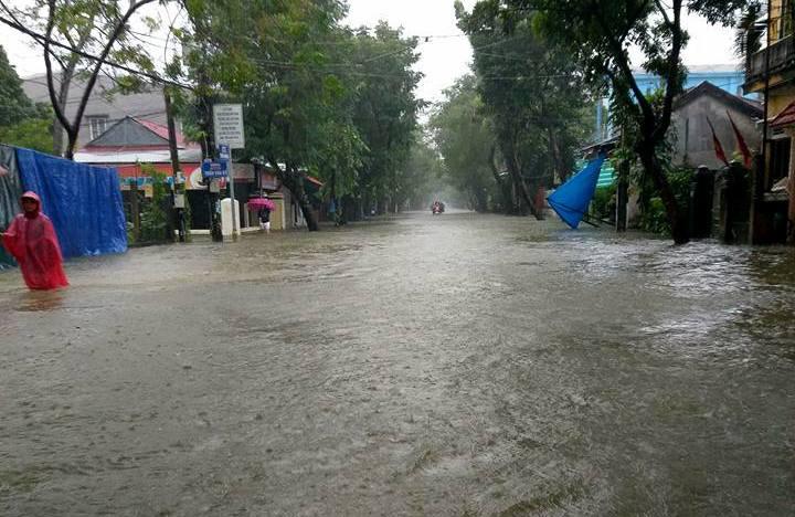 CẬP NHẬT: Huế, Quảng Nam chìm trong nước lũ, nhiều khu vực chia cắt - 5