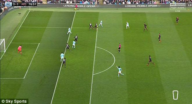Tranh cãi: Man City ghi bàn việt vị, Arsenal phát điên 2