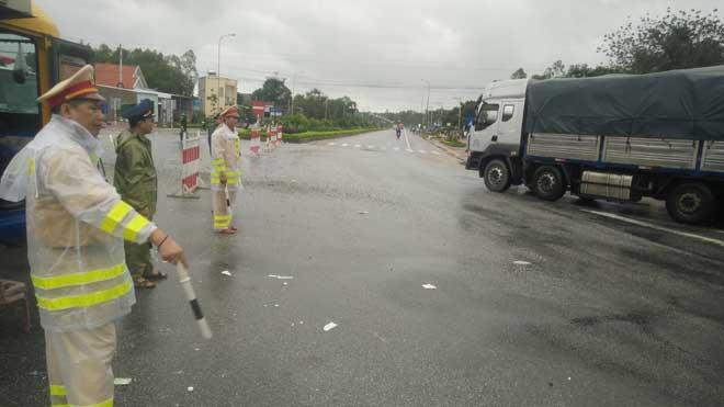 CẬP NHẬT lũ miền Trung ngày 6/11: Đã có 5 người tử vong ở Quảng Ngãi - 8