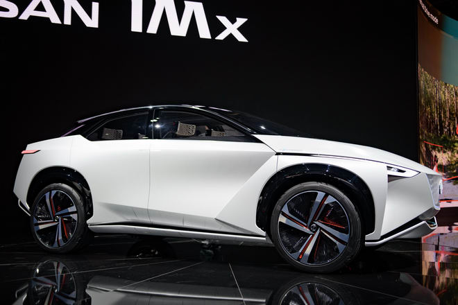 Nissan trình diễn crossover tự lái IMx Concept - 2