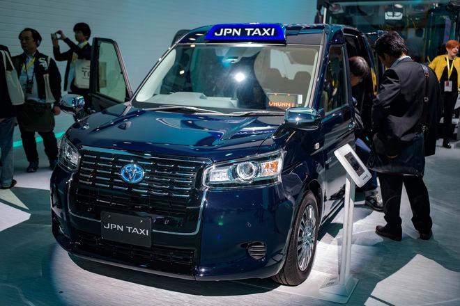 """Toyota JPN Taxi: Xe dịch vụ chuyên chở """"xịn"""""""