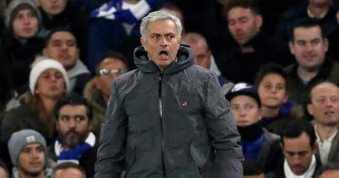 Đấu khẩu MU - Chelsea: Mourinho tự tin sẽ bắt kịp Man City 8 điểm 1
