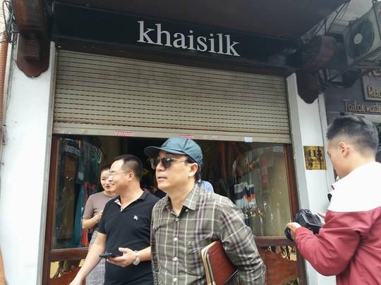 Cửa hàng Khaisilk 113 Hàng Gai nộp thuế khoán 211,2 triệu đồng - 1
