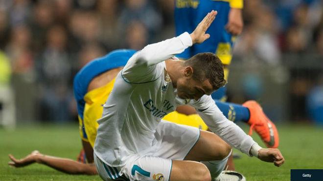 Tịt ngòi vì vận rủi, Ronaldo ích kỷ, buồn từ Bernabeu về nhà - 1