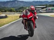 """Mô tô  """" thế kỷ """"  Panigale V4 của Ducati chính thức lộ diện"""
