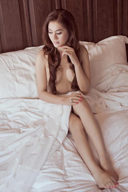 """Lâm Chí Khanh: """"Tôi sẽ mặc 8 váy cưới đính 10.000 viên pha lê trong hôn lễ tháng 12"""" - 4"""
